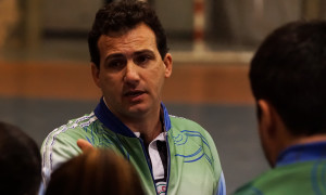 Aílton Vieira, técnico do time feminino de futsal do XV de Piracicaba