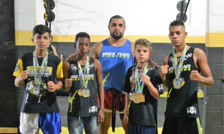 Julio Costa, professor de kickboxing na academia Brock Team Fighters