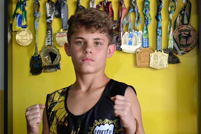 Matheus Ruiz da Costa, lutador de kickboxing da equipe Brock Team Fighters